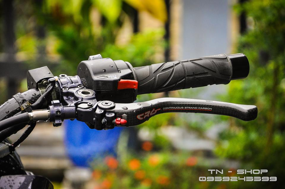 Yamaha FZ 150 trang bi nhieu option tai mien Tay song nuoc - 5
