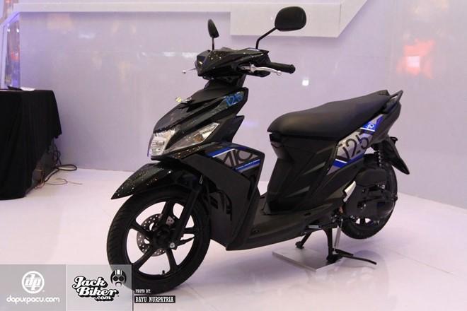 Yamaha Mio M3 xe ga danh cho phai nu voi he thong khoa da dung