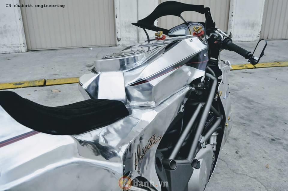 MV Agusta F4 sieu doc trong bo canh hop kim nhom cua dan choi xe Nhat Ban - 5