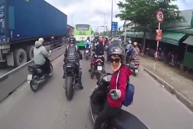 PKL net po va nhung chuyen gay nhieu tranh cai trong cong dong ve van hoa chay xe - 2