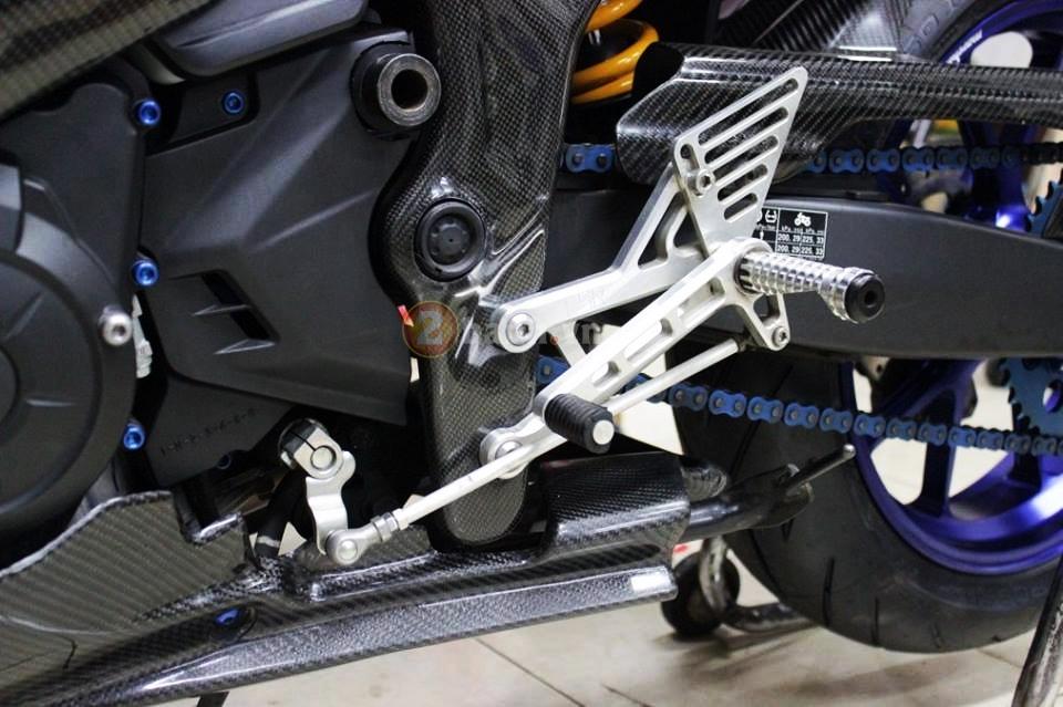 Yamaha R25 trong ban do cuc chat den tu Indonesia - 7