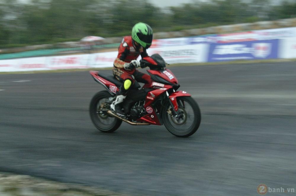 Clip Vong chung ket giai dua xe Winner 150 tai Binh Duong