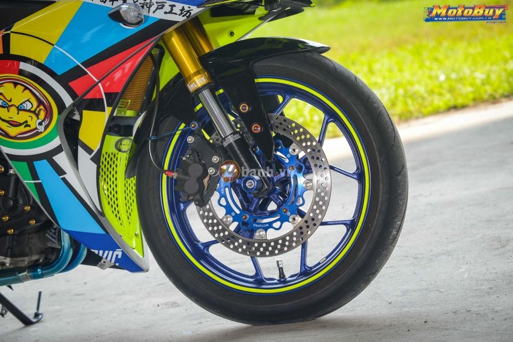 Yamaha R3 noi bat trong ban do cuc chat voi phong cach Valentino Rossi - 6