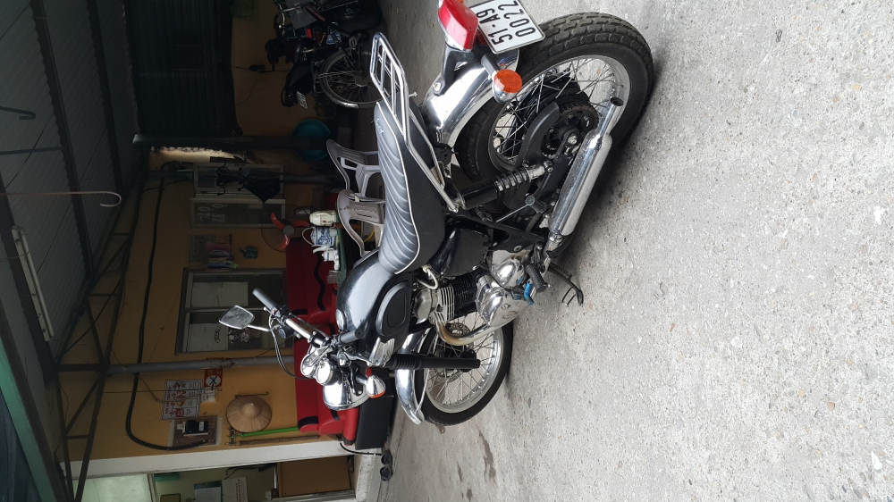 Ban Kawasaki W650HN