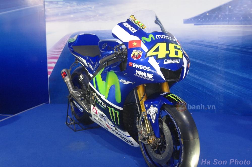 Clip Yamaha M1 phien ban Rossi lam khan gia Viet me man - 2