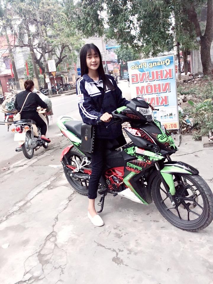 Nu sinh ngot ngao khoe dang ben Winner 150 kieng - 4