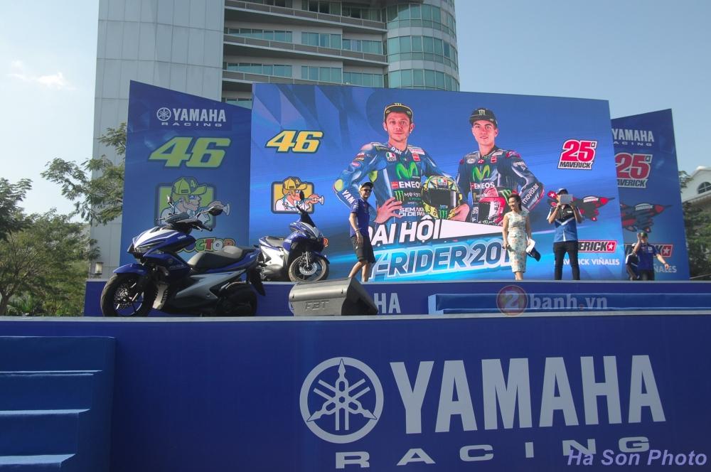 Khan gia Viet da co co hoi giao luu voi hai tay dua cua doi dua Movistar Yamaha MotoGP 2017 - 15