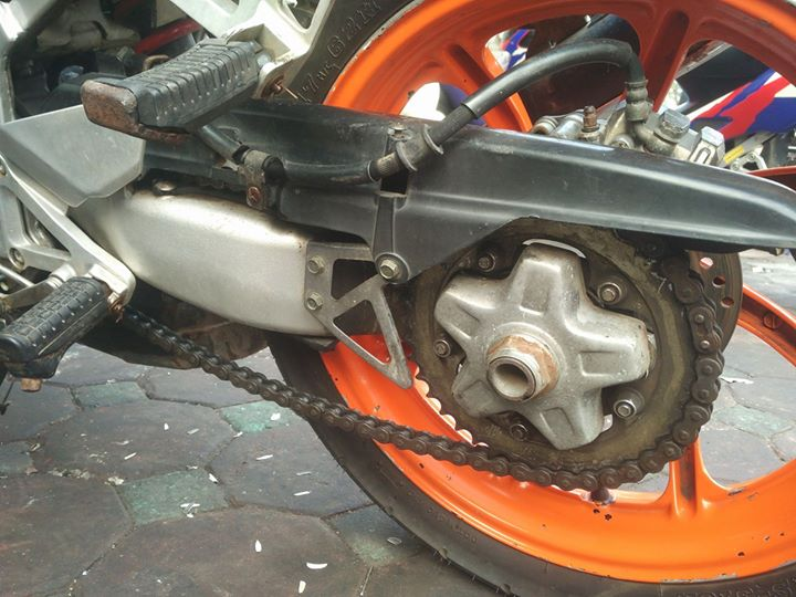 Cac bac co biet cach tang sen cho Honda NSR khong chi minh voi a