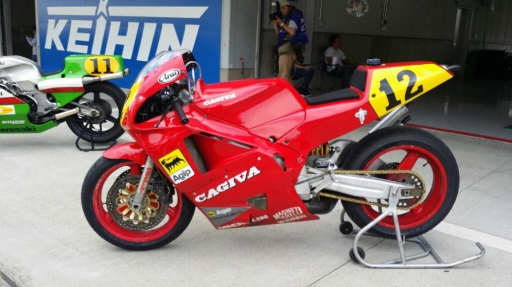 Hinh anh chiec Cagiva V589 goi nho cuoc dua Grand Prix 500 cc vao cuoi thap nien 80