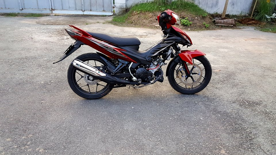 Exciter 135 an tuong manh voi doi chan Sonic