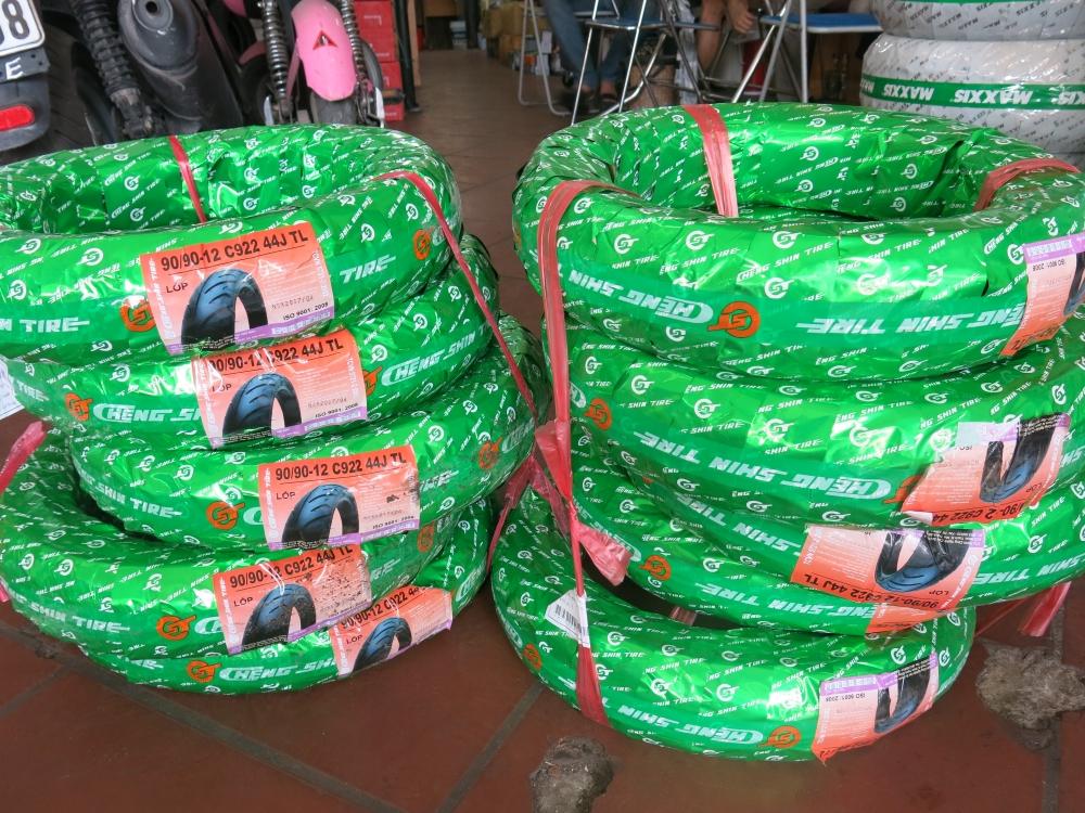 Cac loai lop xe vespa lop xe liberty lop ET GTS Fly Zip Chinh Hang - 6