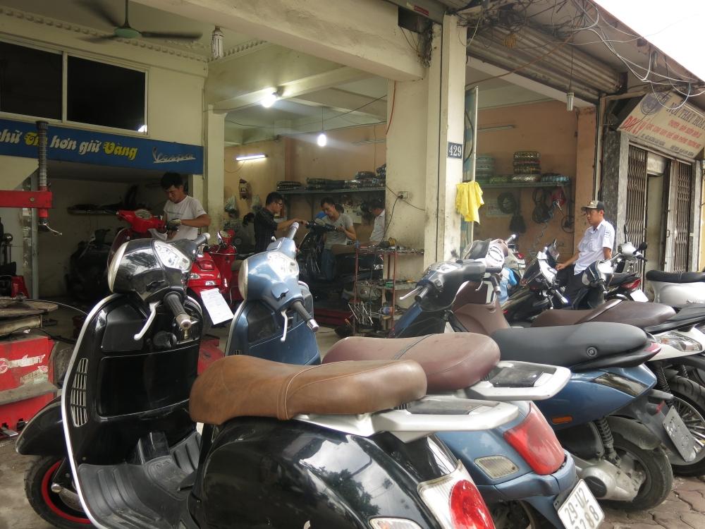 Bao duong xe Piaggio Vespa chuyen nghiep tai Ha Noi Cua Hang Hoa Da Piaggio - 3
