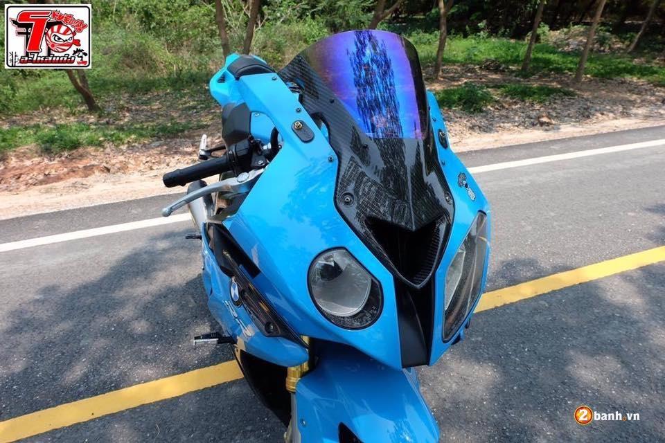 BMW S1000RR ca tinh trong bo ao xanh Pestronal - 3
