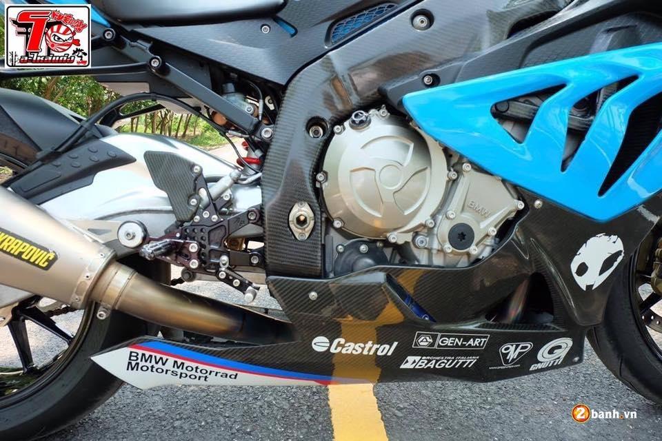 BMW S1000RR ca tinh trong bo ao xanh Pestronal - 7