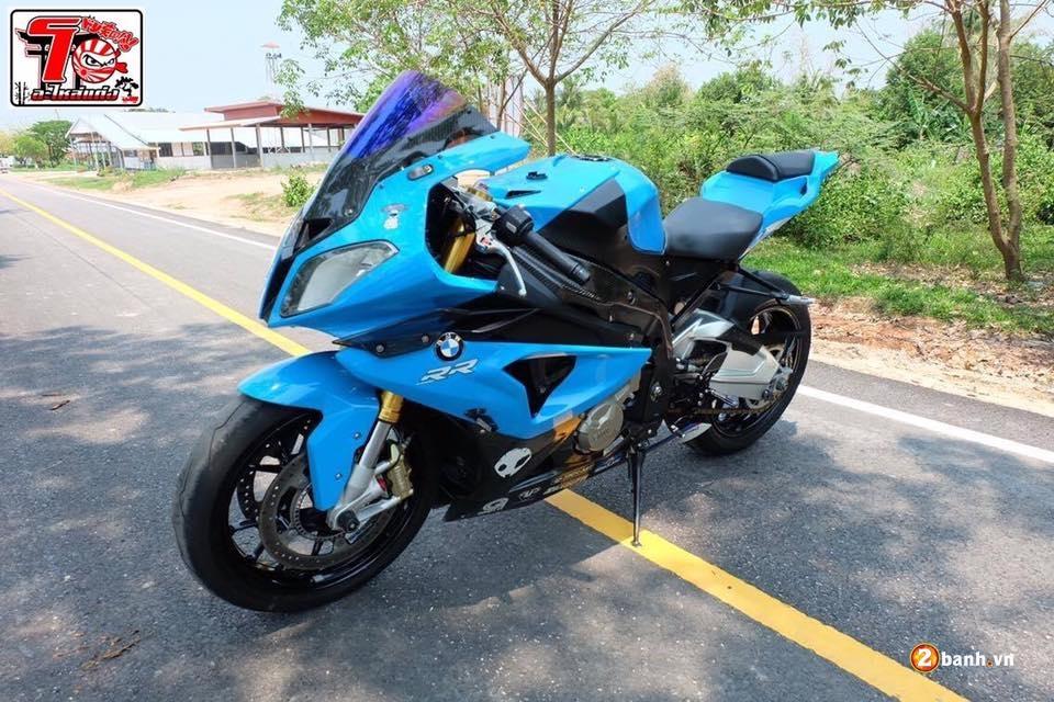 BMW S1000RR ca tinh trong bo ao xanh Pestronal - 13