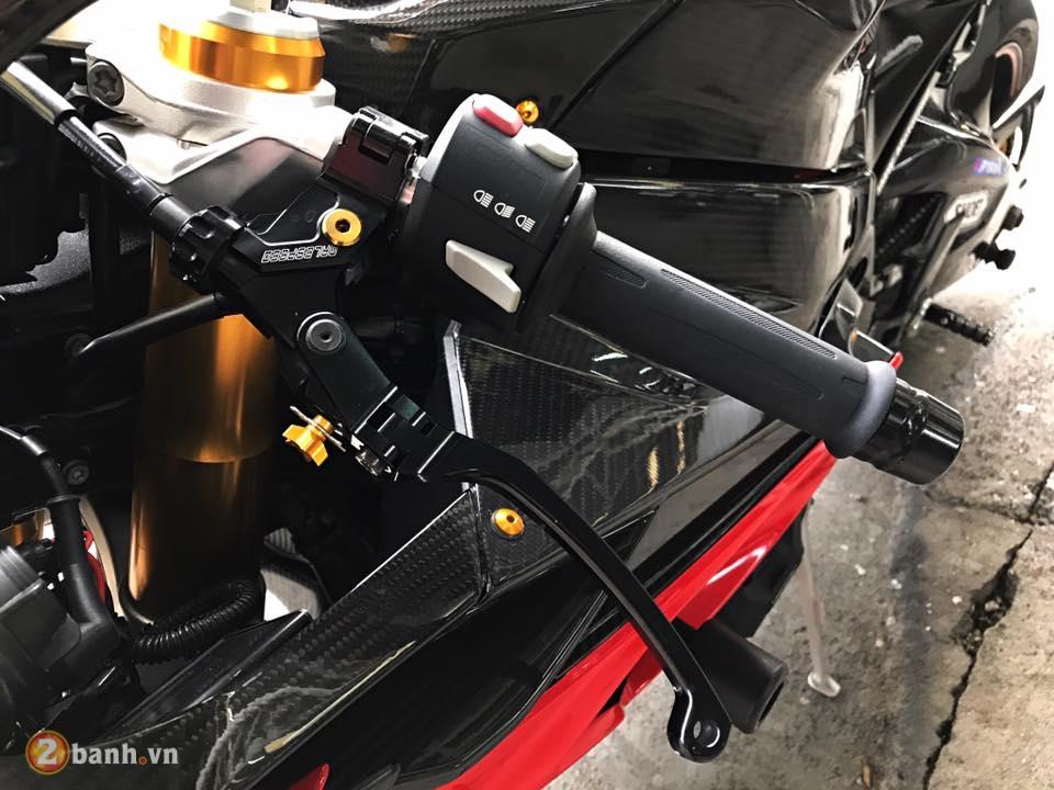 BMW S1000RR chu ca map day danh gia voi loat do choi hang hieu - 4
