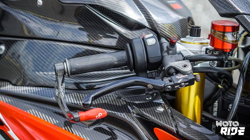 BMW S1000RR phien ban Black carbon - 3