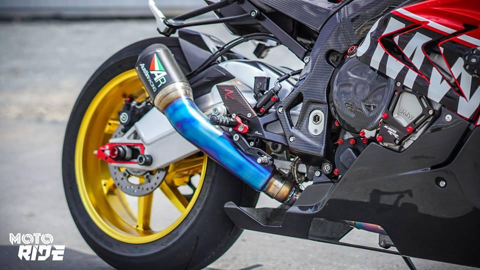 BMW S1000RR phien ban Black carbon - 8