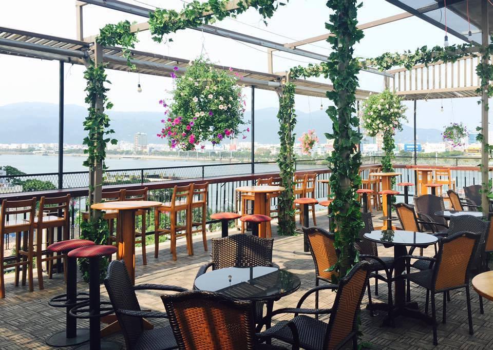 Bo tui ngay 10 quan cafe view cao thay toan canh Da Nang - 15