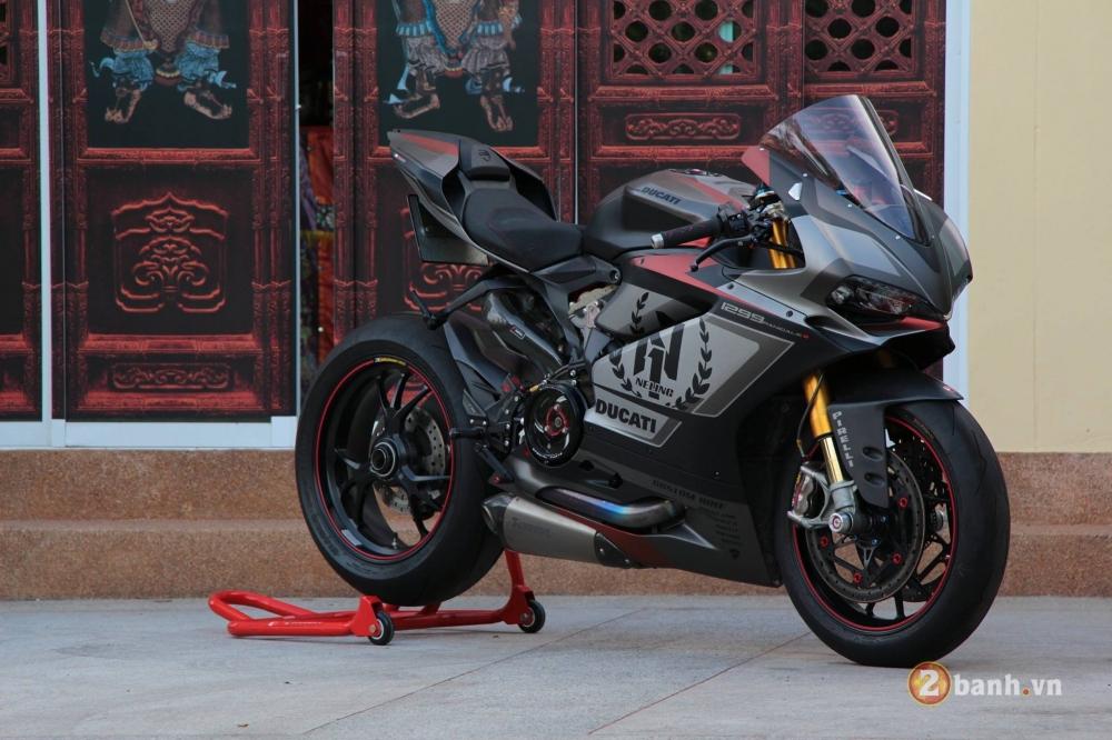Ducati 1299 Panigale S chuan khong can chinh sau khi qua tay dan choi Thai