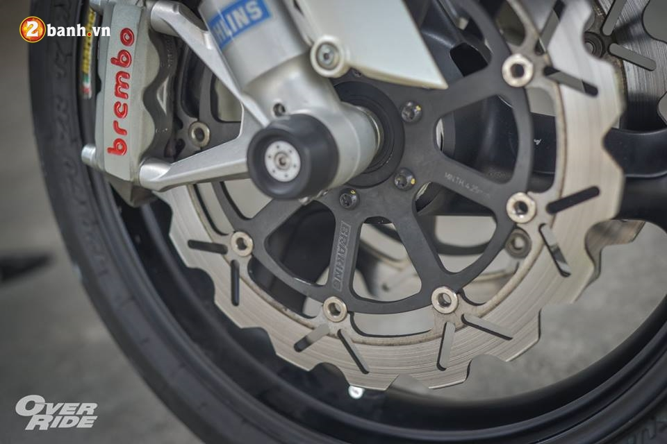 Ducati Monster 696 con quai thu huyen thoai cua nha Ducati - 9