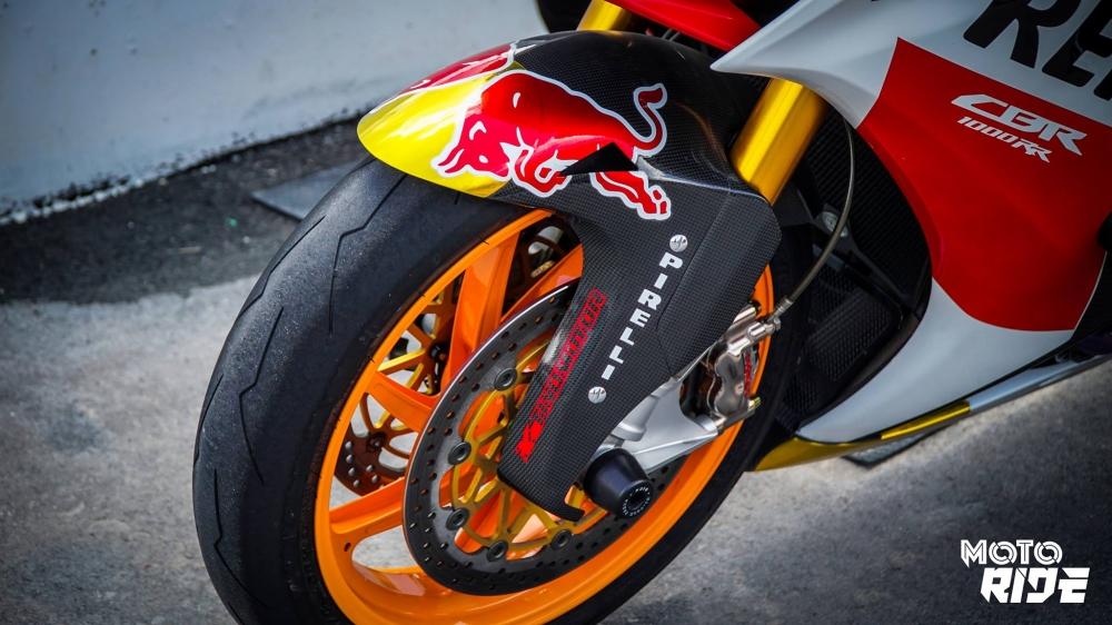 Honda CBR1000RR dep den ngo ngang trong phong cach 93 MotoGP - 3