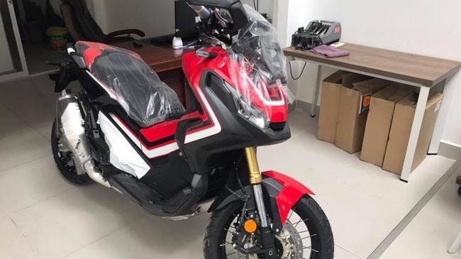 Honda tay ga XADV 750 gia 560 trieu dong vua cap ben tai Viet Nam