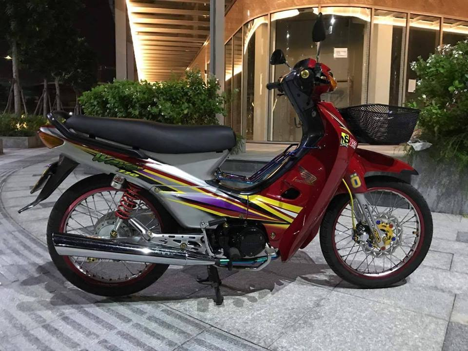 Honda Wave 110cc hien lanh trong ban do kieu ky