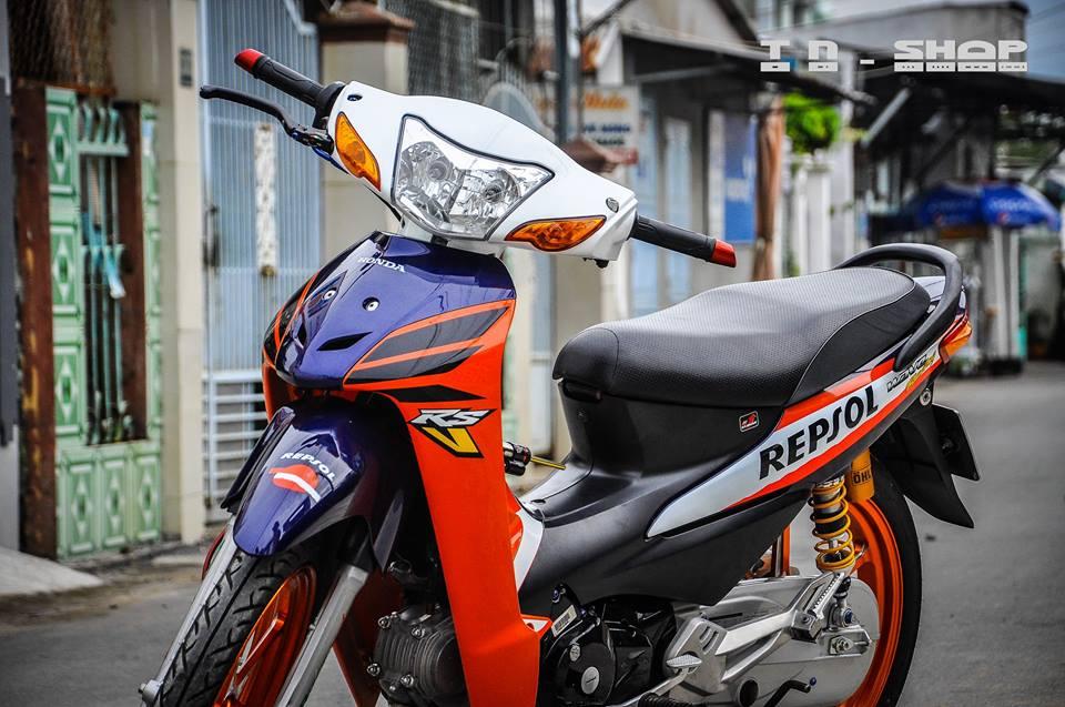 Honda Wave chien binh troi day voi bo canh Repsol - 3