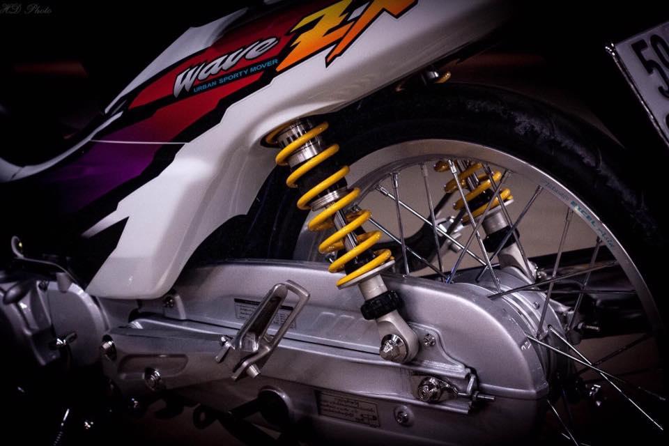 Honda Wave ZX phien ban bach cong tu voi dan do choi chiu chi - 7