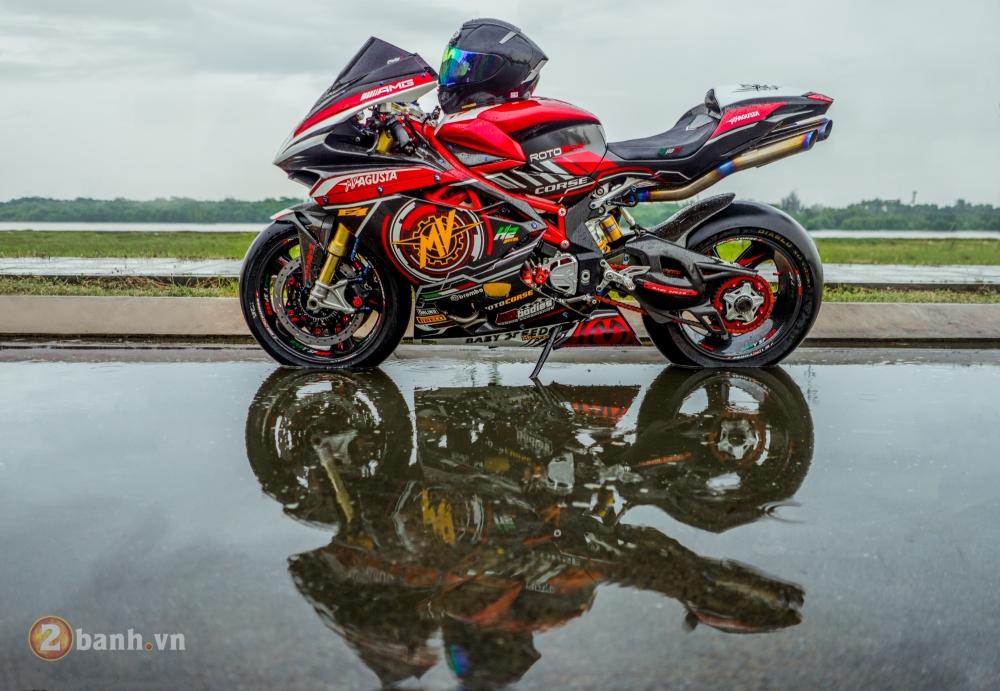 MV Agusta F4 RR dep khong the cuong trong ban do tien ty cua biker Viet