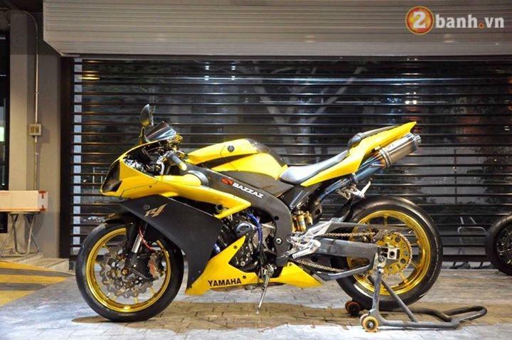 Sieu nhan vang Yamaha R1 dep trai hon voi dan option do choi hang hieu