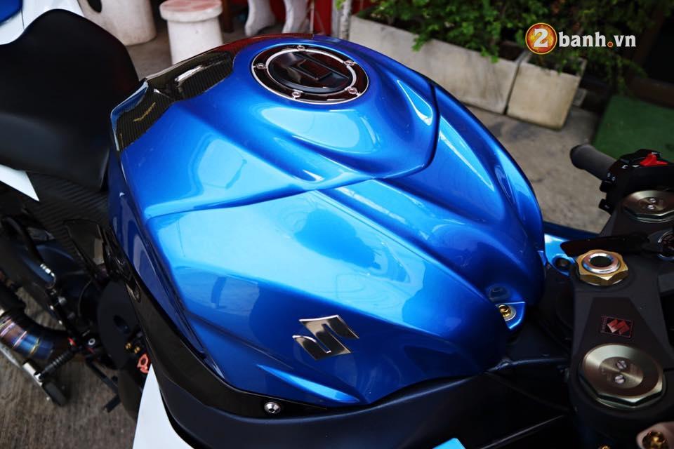 Suzuki GSXR1000 ong vua trang xanh trong ho nha Suzuki - 7