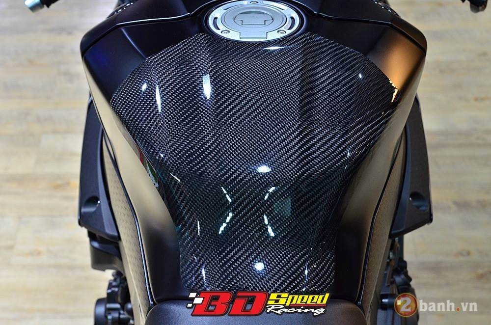 Yamaha R1 chu Ca Tre Den day manh me va phong cach - 6