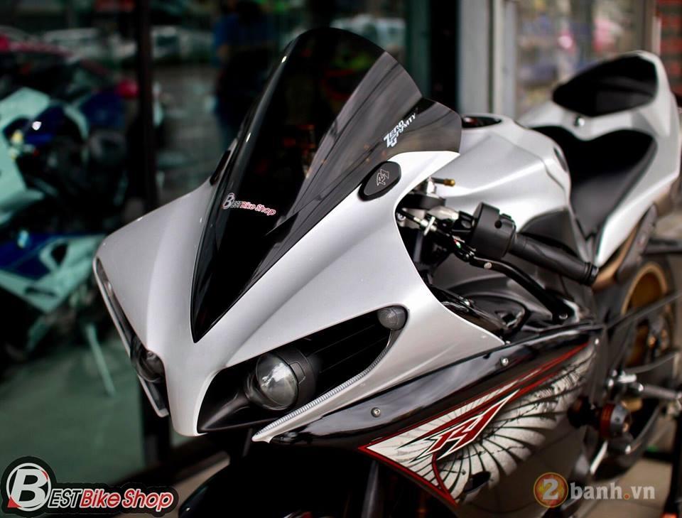 Yamaha R1 hang hiem trong ban do chuan bai dang cap - 5