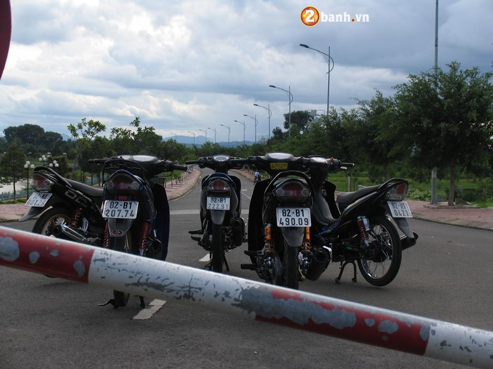 Biet doi nha Yamaha cang quet pho nui Kon Tum