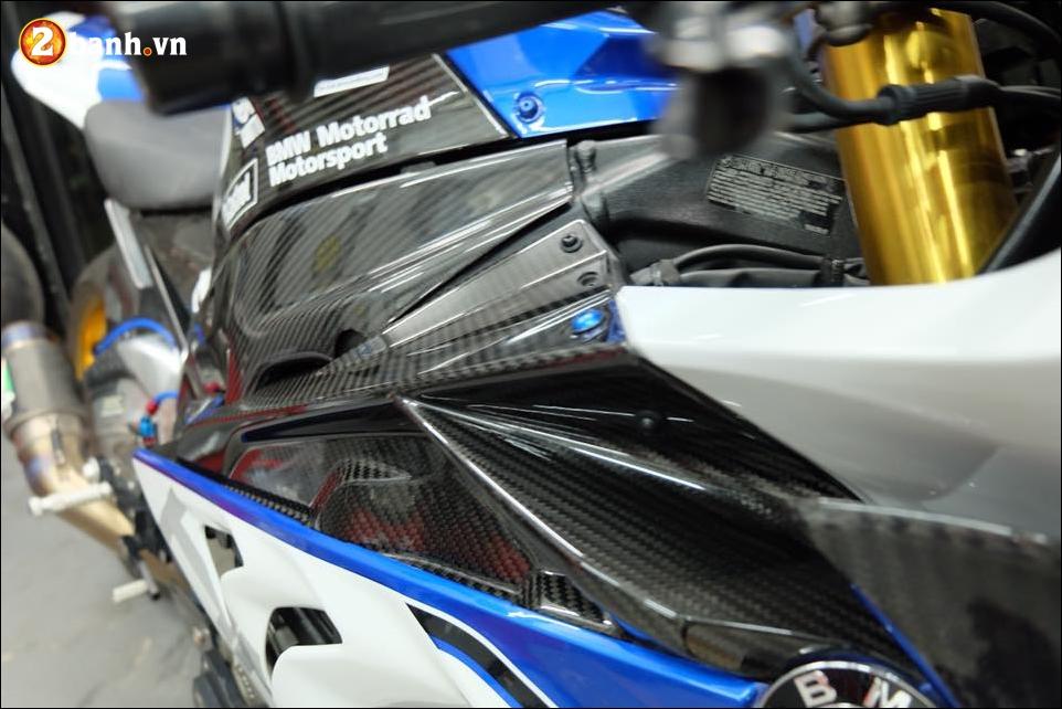 BMW HP4 do nang cap chi tiet cung hieu ung Titan xanh - 5