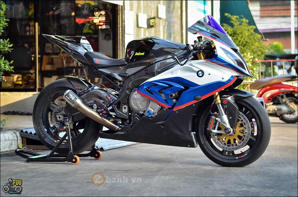 BMW S1000RR do Carbon hoa trong tung chi tiet - 14