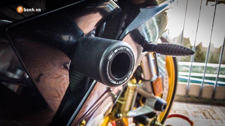 BMW S1000RR nang cap nhe cung loat do choi hang hieu - 5