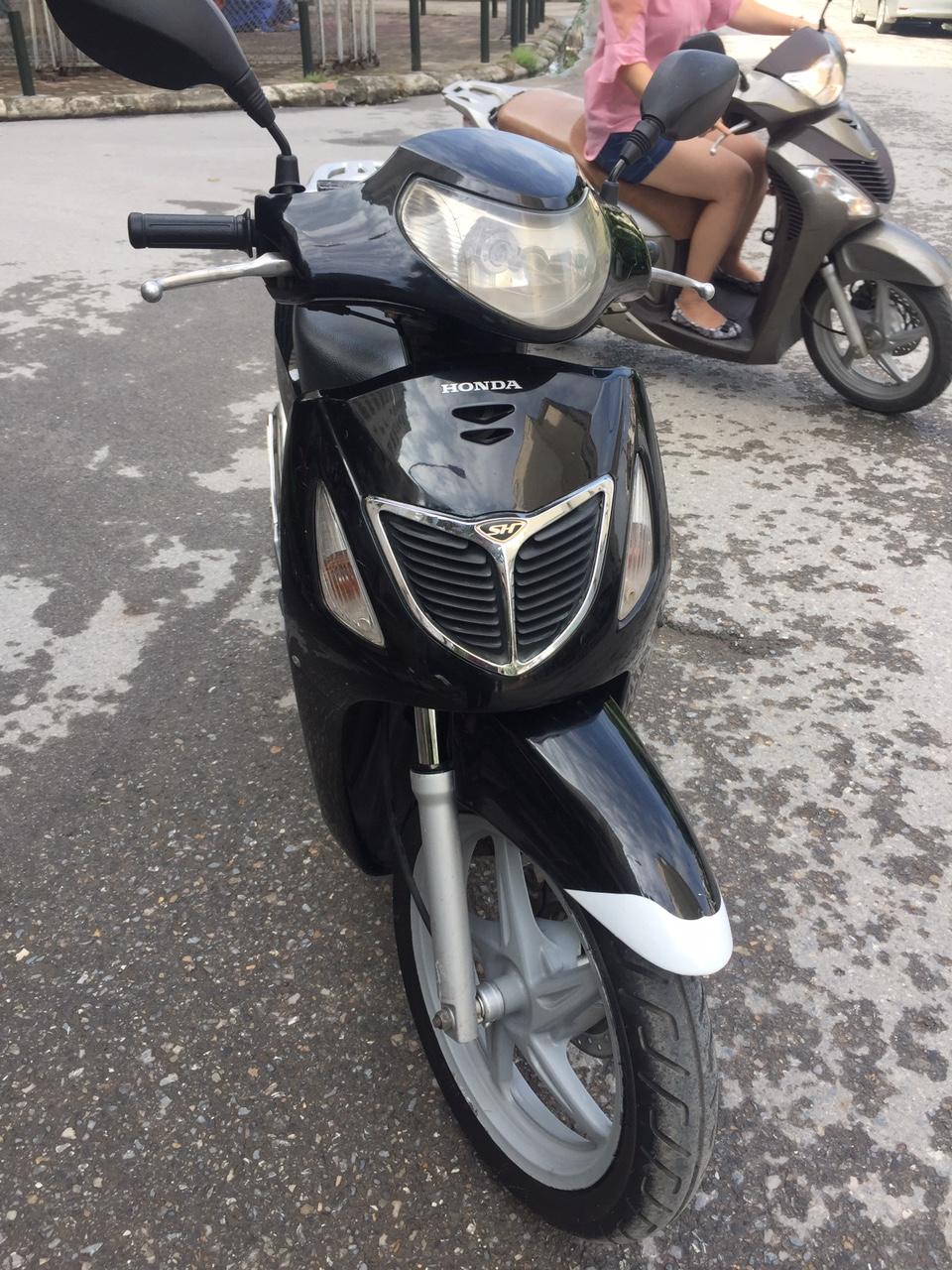Can ban Honda Sh 150 che thuong Den bien Hn 29U may nguyen thuy 31tr