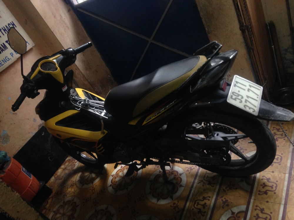 Can Ban Xe Exciter 2013 Mau Vang TPHCM