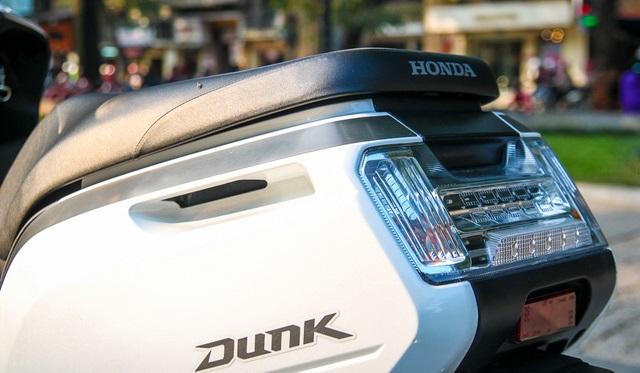 Danh gia xe Honda Dunk 2017 doc la moi xuat hien tai Viet Nam - 9