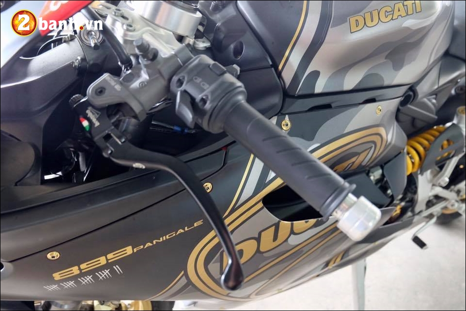 Ducati 899 Panigale do noi bat den an tuong cung version Camo - 5