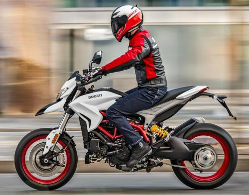Ducati Hypermotard 939 2018 sang chanh trong bo canh moi