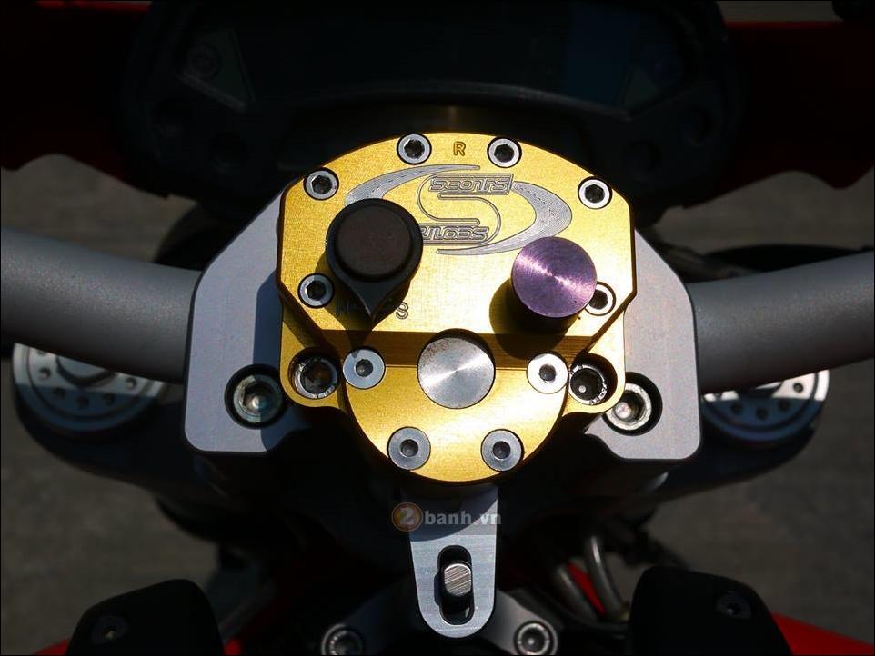 Ducati Monster 796 Hau due sau thanh cong cua Monster 795 - 5