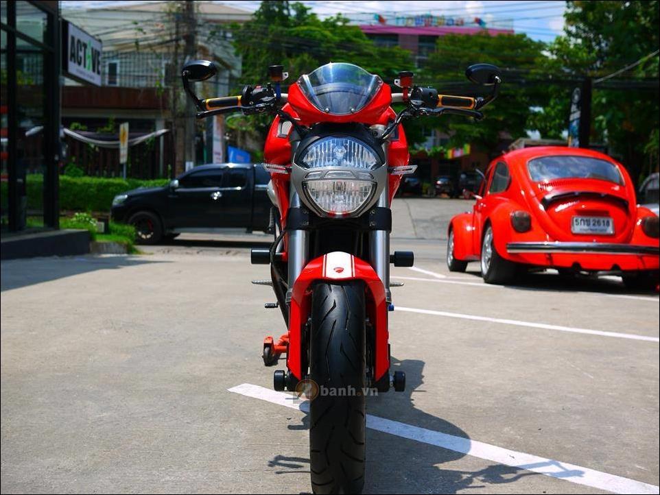 Ducati Monster 796 Hau due sau thanh cong cua Monster 795 - 9
