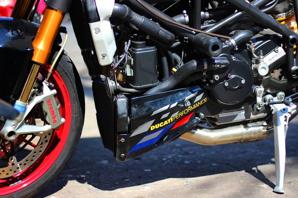Ducati Streetfighter do menh danh qua bom tan phan khuc nakedbike - 7
