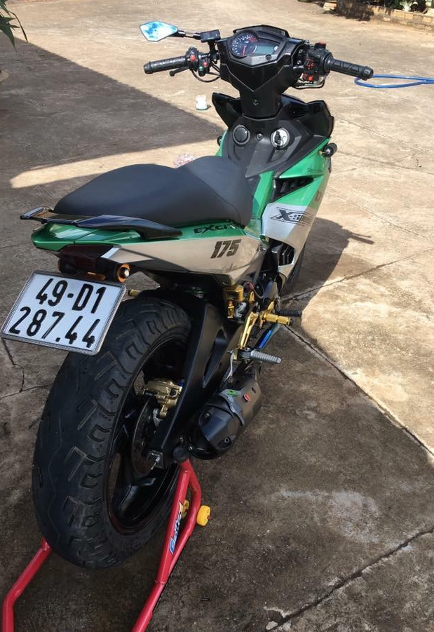 Exciter 150 do kieng buc pha day manh me cua biker Lam Dong - 7