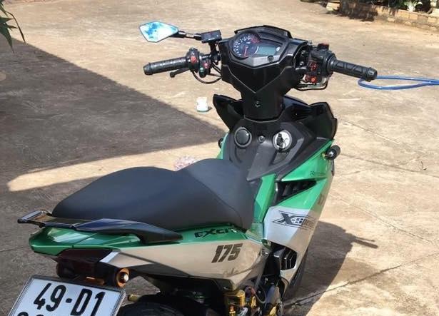 Exciter 150 do kieng buc pha day manh me cua biker Lam Dong - 5