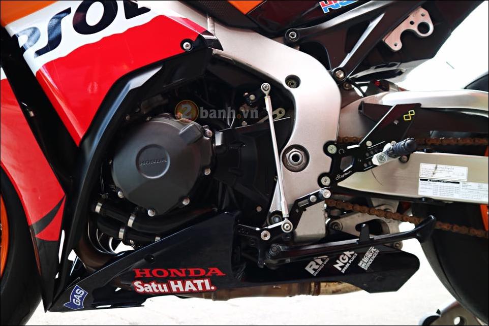 Honda CBR1000RR Repsol do don gian tinh te trong tung chi tiet - 14